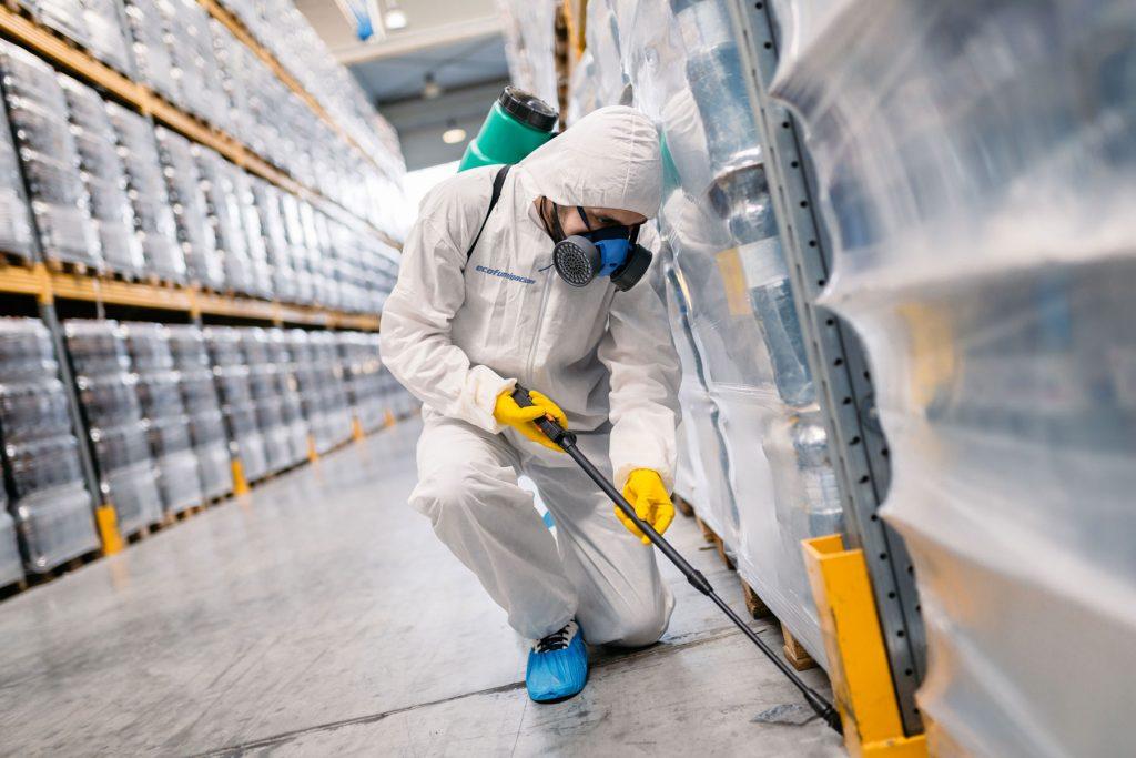 Empresas de control de plagas en el sector logístico