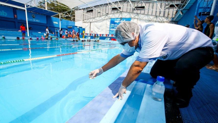 Tratamiento del aguade la piscina